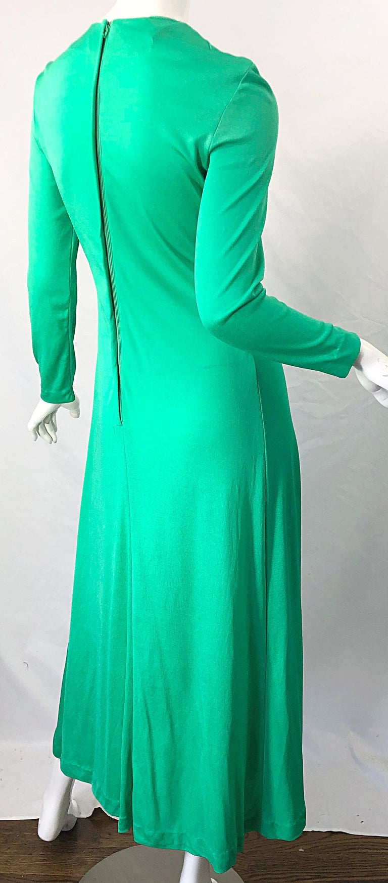 1970s Fredrick's of Hollywood Kelly Green Vintage Jersey 70s Maxi Dress For Sale 7