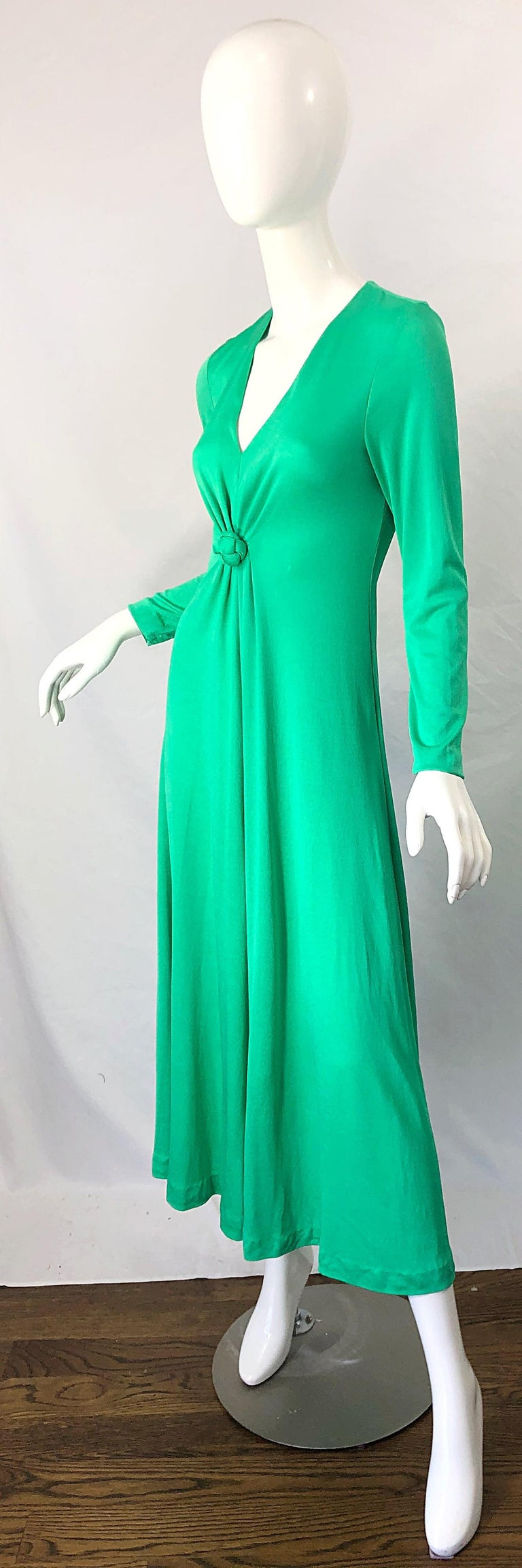 1970s Fredrick's of Hollywood Kelly Green Vintage Jersey 70s Maxi Dress For Sale 8