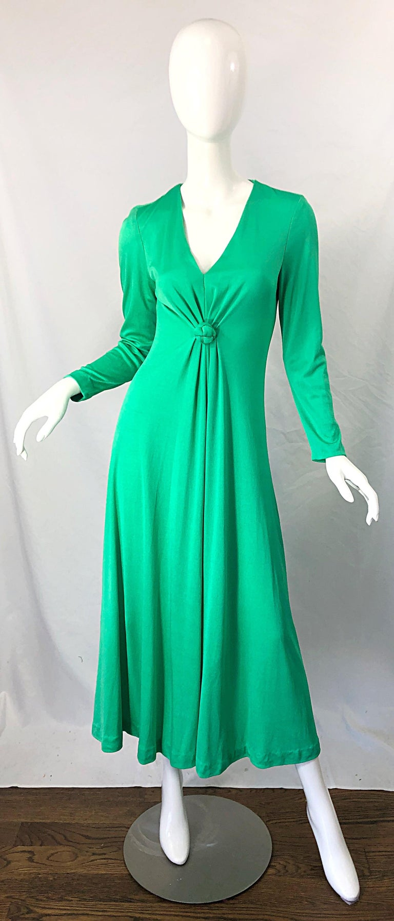 1970s Fredrick's of Hollywood Kelly Green Vintage Jersey 70s Maxi Dress For Sale 10