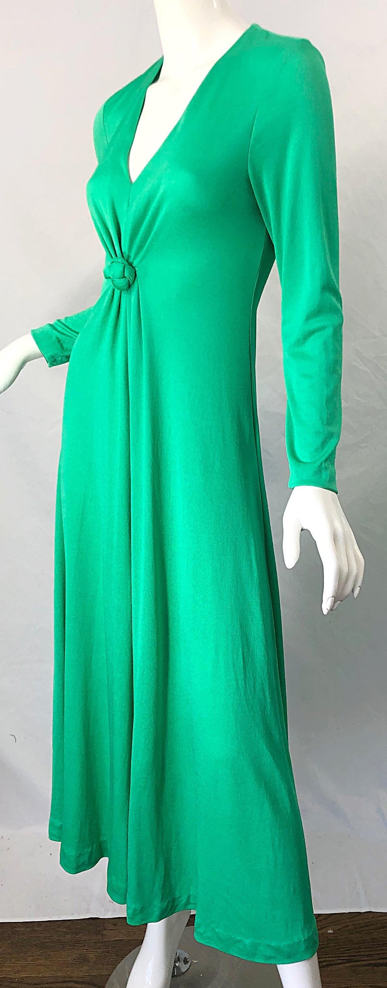 1970s Fredrick's of Hollywood Kelly Green Vintage Jersey 70s Maxi Dress For Sale 2