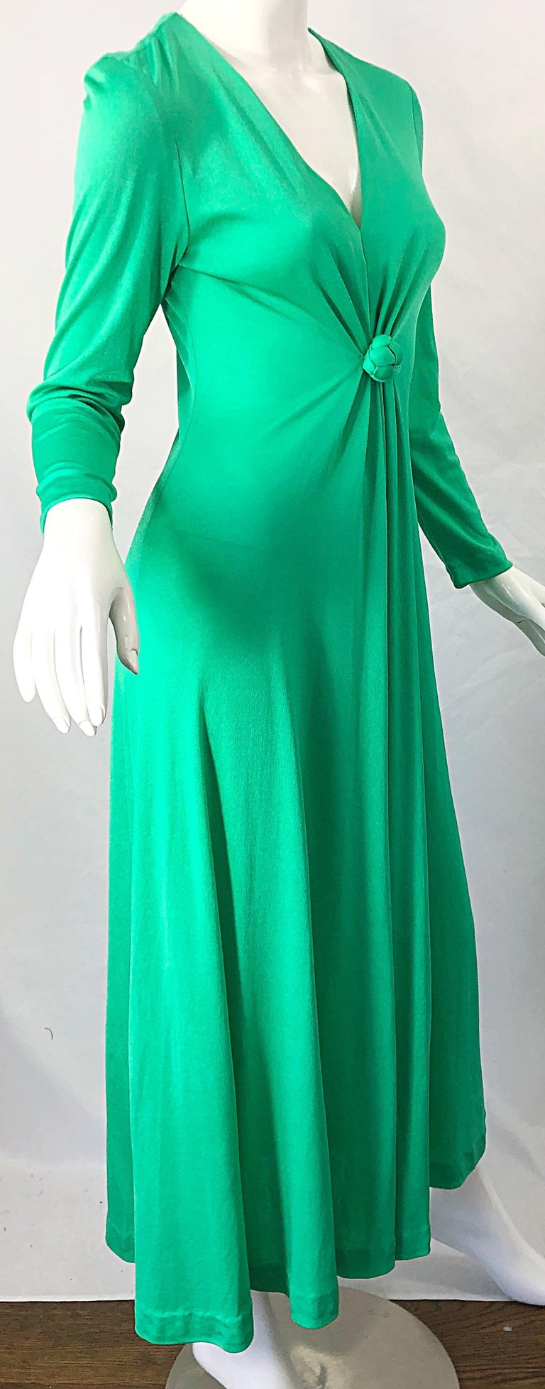 1970s Fredrick's of Hollywood Kelly Green Vintage Jersey 70s Maxi Dress For Sale 3
