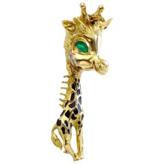 1970s French Emerald Enamel Yellow Gold 18 Karat Giraffe Brooch