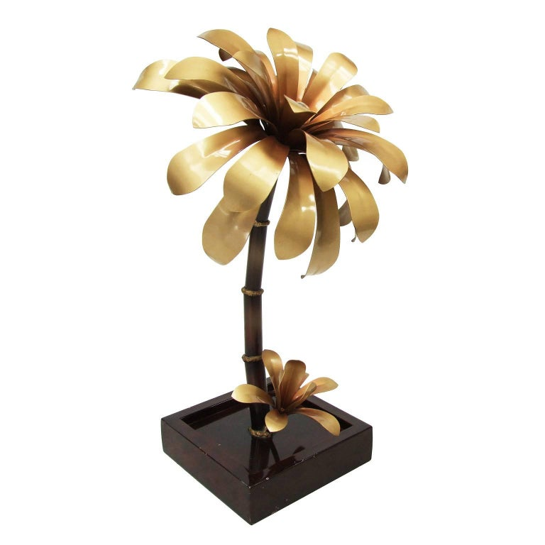 1970s French Gold Palm Sculptural Flower Table Lamp For Sale