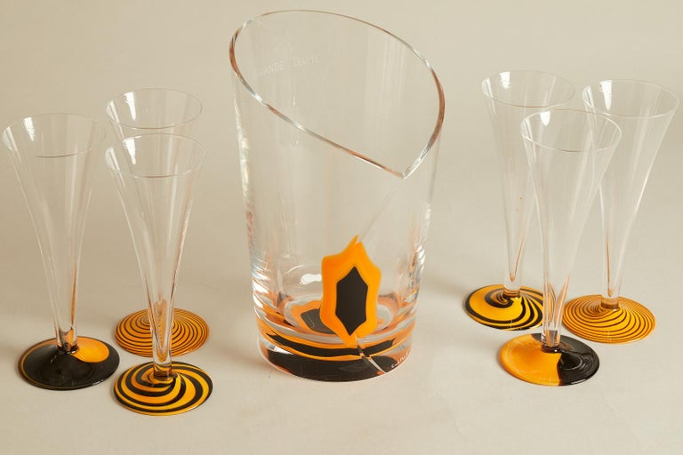 1970s French Veuve Clicqout ice bucket and 6 flutes Limited edition. Signed by Carlo Moretti.