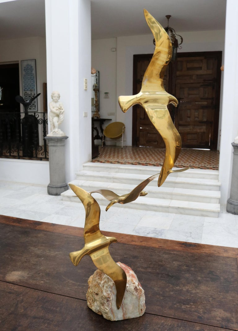 20th Century 1970s French Vintage Brass Three-Bird Sculpture with Onyx Base For Sale
