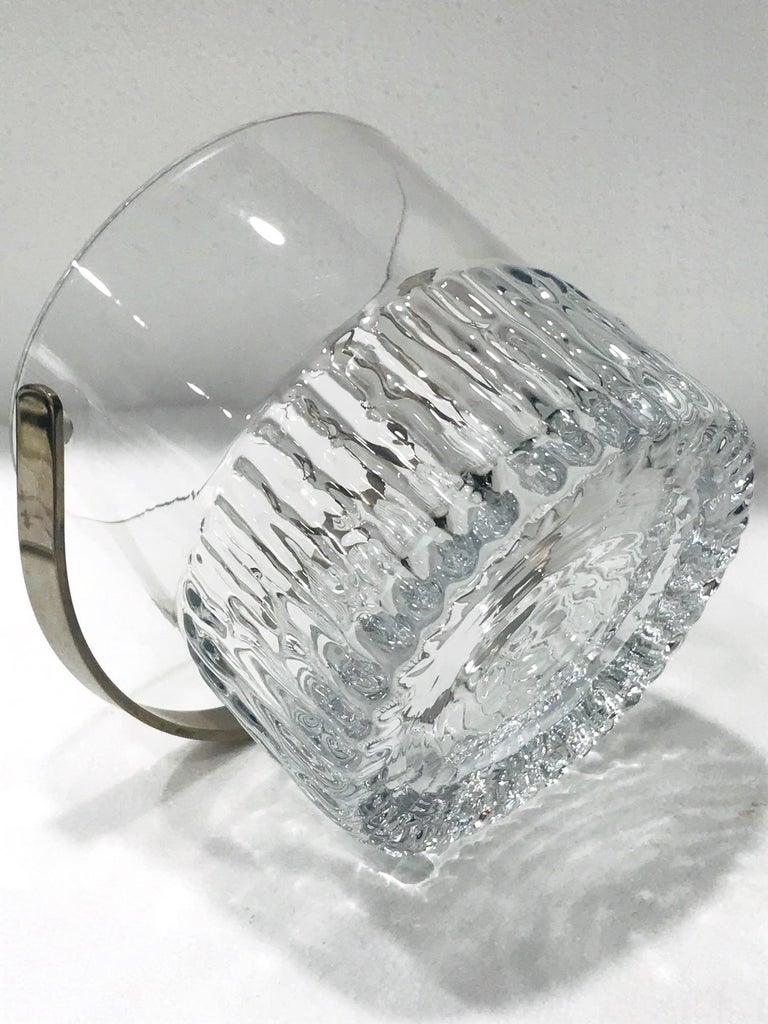 Late 20th Century 1970s French Vintage Crystal Ice Bucket with Fluted Ice Glass Design For Sale