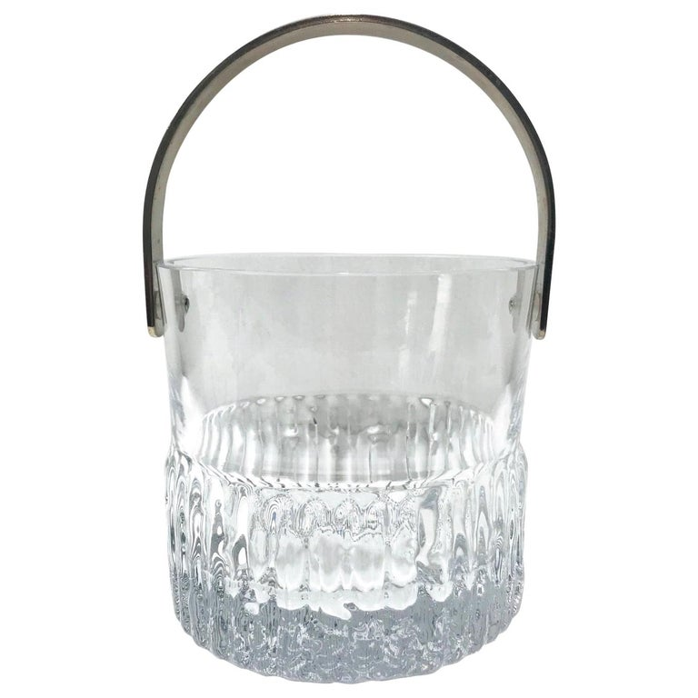 1970s French Vintage Crystal Ice Bucket with Fluted Ice Glass Design For Sale