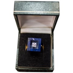 1970s French Yellow Gold Ring with Malaquita Stone in Cube Shape and 4 Diamonds