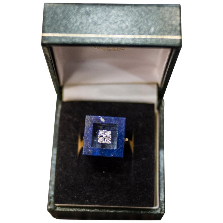 1970s French Yellow Gold Ring with Malaquita Stone in Cube Shape and 4 Diamonds For Sale