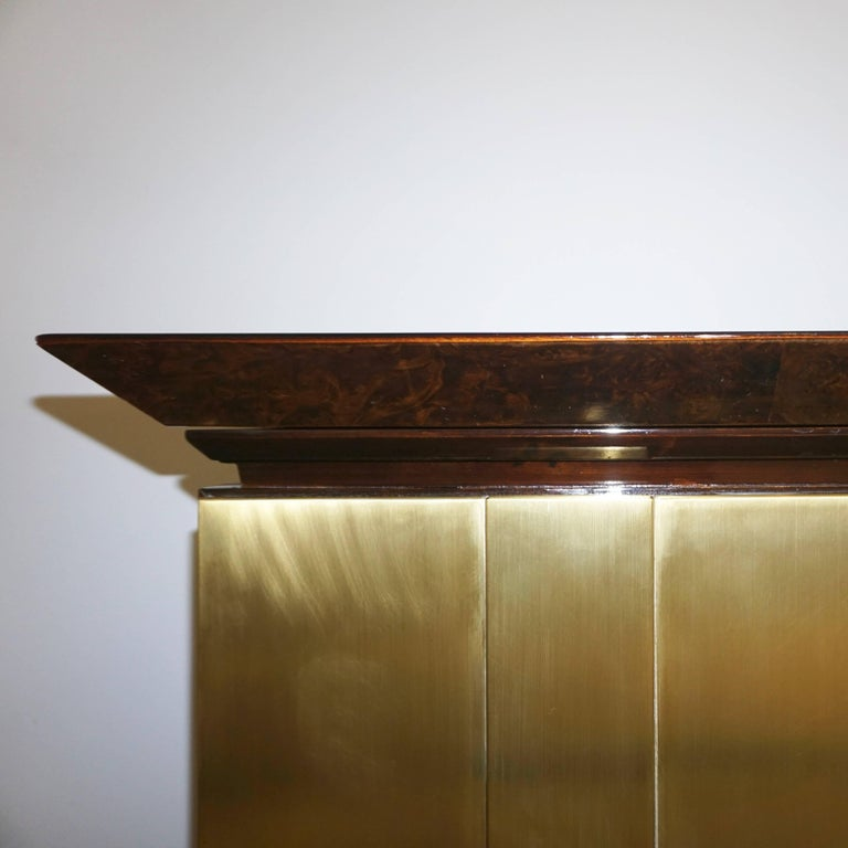 1970s Frigerio Italian Burl Walnut Sideboard with Brass Sculptural Relief Design For Sale 2