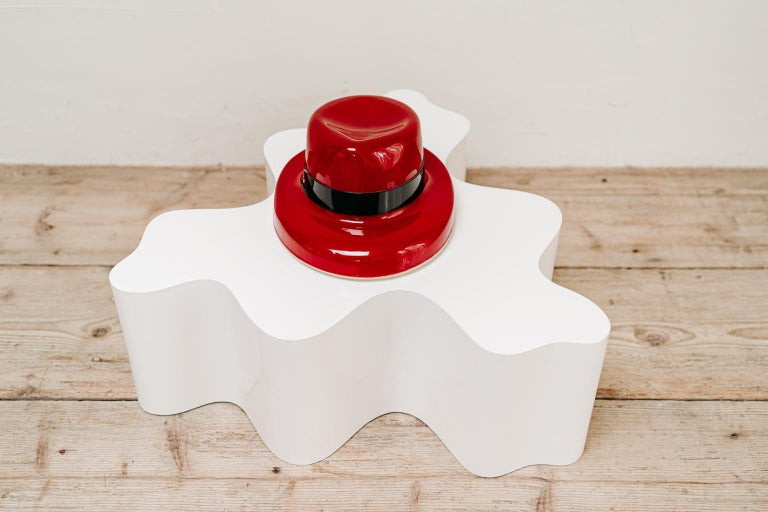 1970's Funky Red Hat Lamp In Good Condition For Sale In Brecht, BE