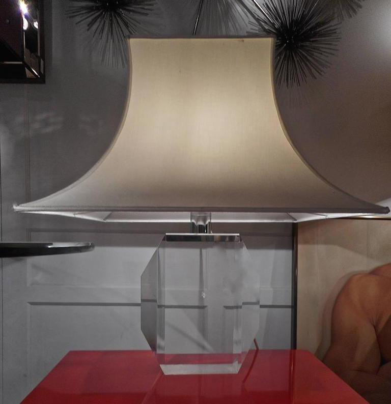 Heavy Lucite piece with a silk pagoda shape lampshade. One light.