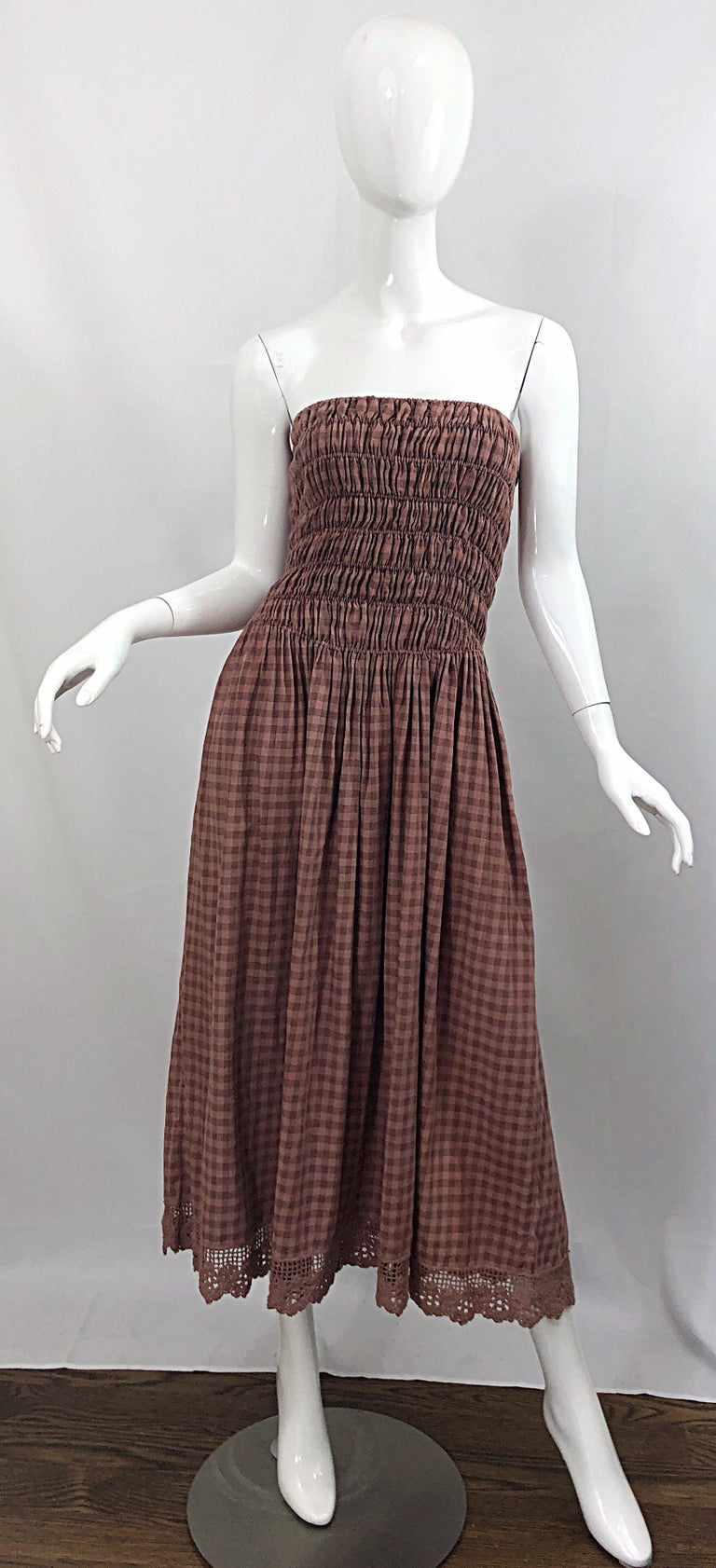 1970s Geoffrey Beene Dusty Rose Pink + Brown Crochet Strapless Ombre Midi Dress For Sale 10