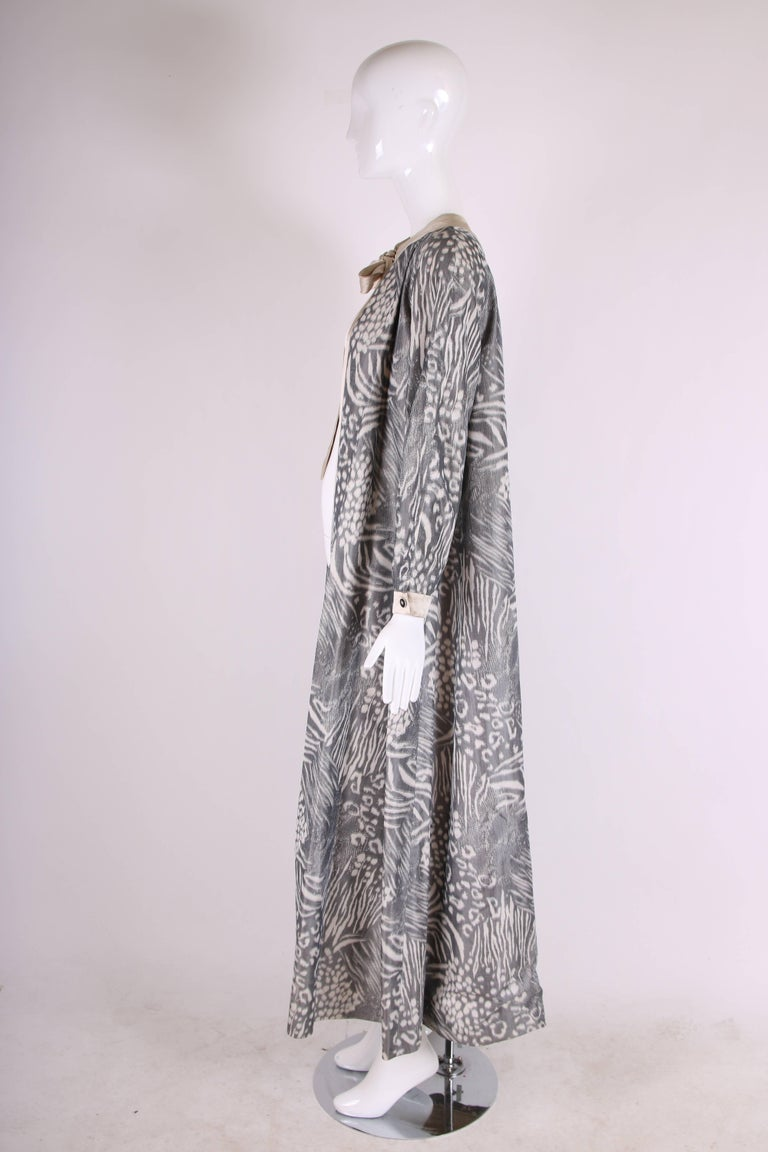 Geoffrey Beene Grey and Cream Silk Taffeta Printed Dress Coat Neck Ties 1970s  In Excellent Condition For Sale In Los Angeles, CA