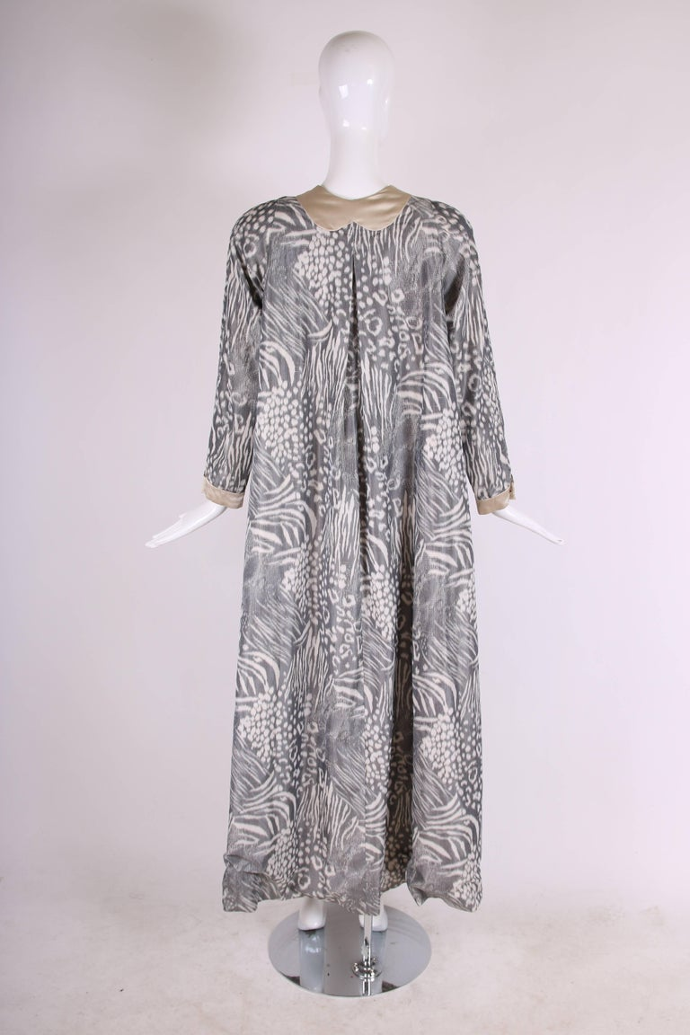 Women's Geoffrey Beene Grey and Cream Silk Taffeta Printed Dress Coat Neck Ties 1970s  For Sale