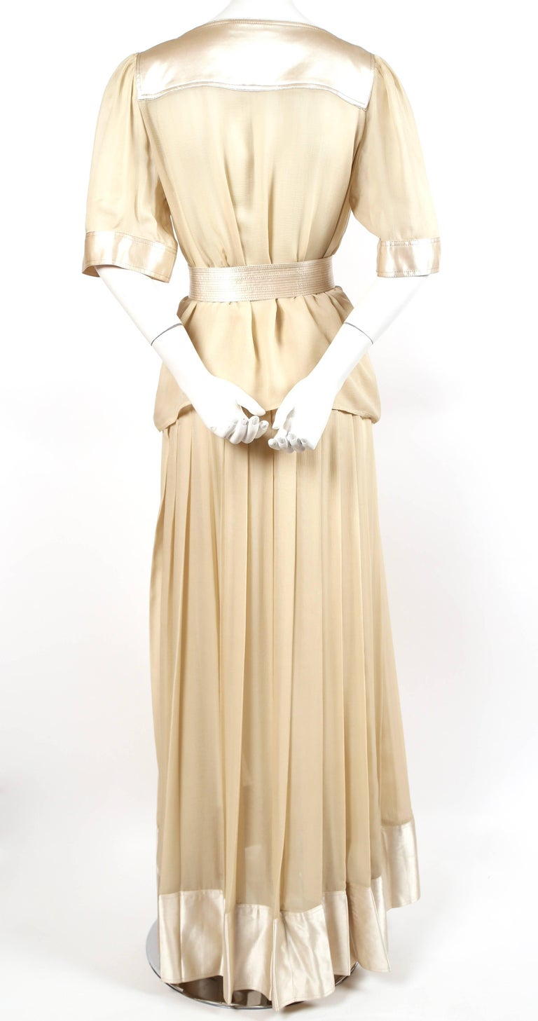 1970's GEOFFREY BEENE silk ensemble with gold thread In Excellent Condition For Sale In San Fransisco, CA
