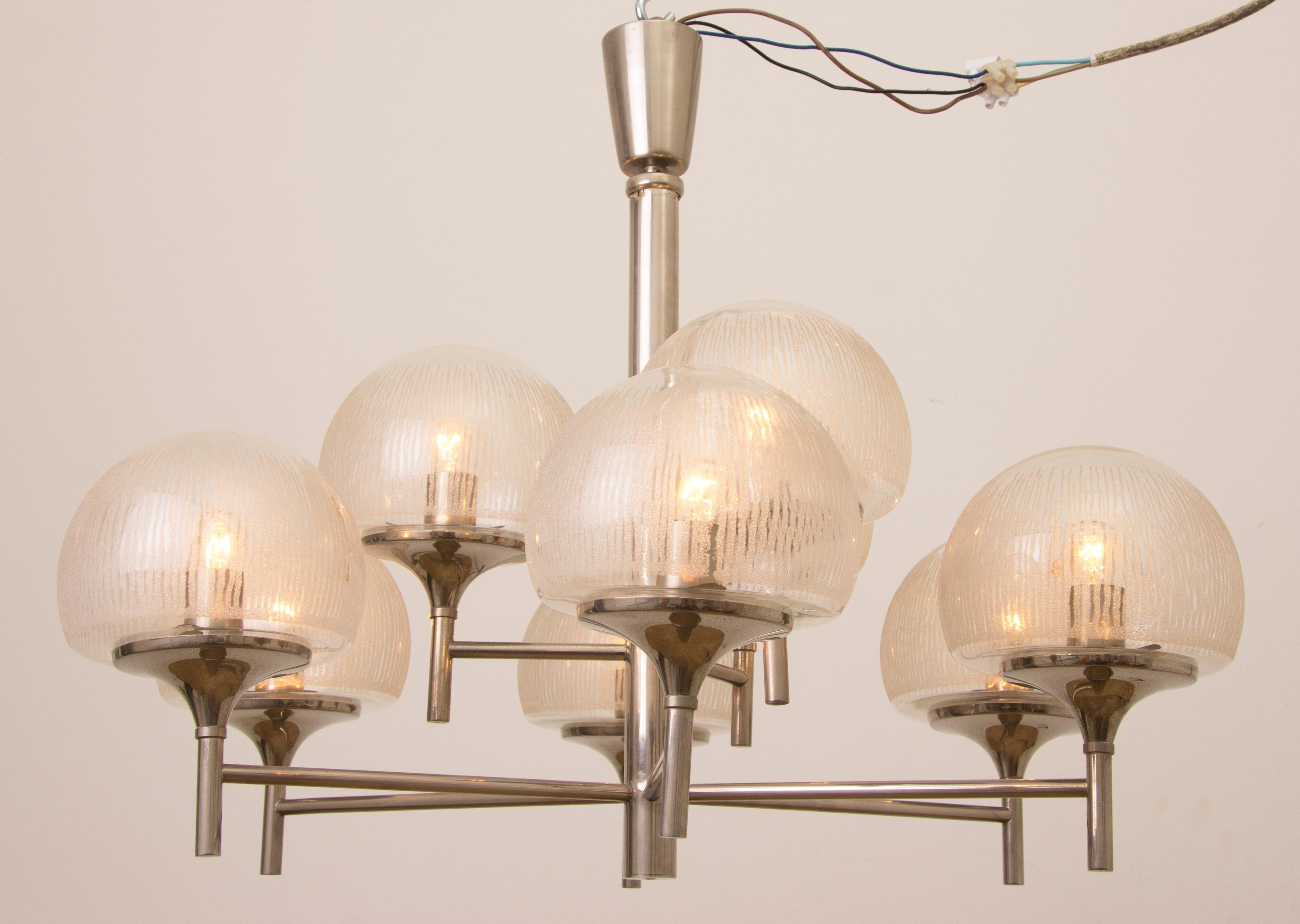 Moderne Lampen 9 : 1970s german kaiser leuchten chrome and 9 frosted globe chandelier