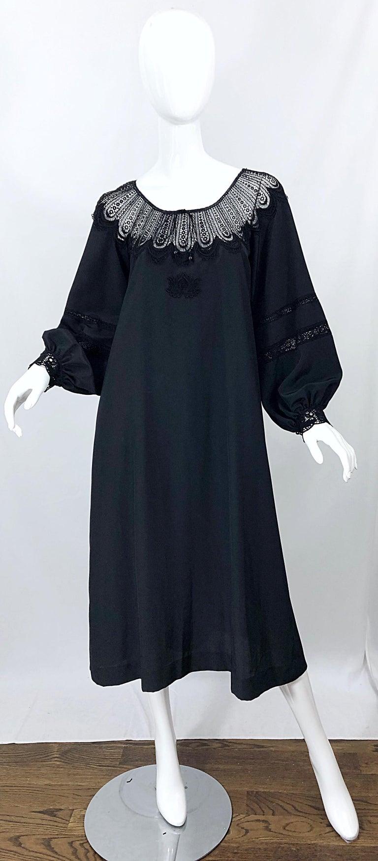 1970s Giorgio di Sant Angelo Black Vintage 70s Crochet Bishop Sleeve Smock Dress For Sale 10