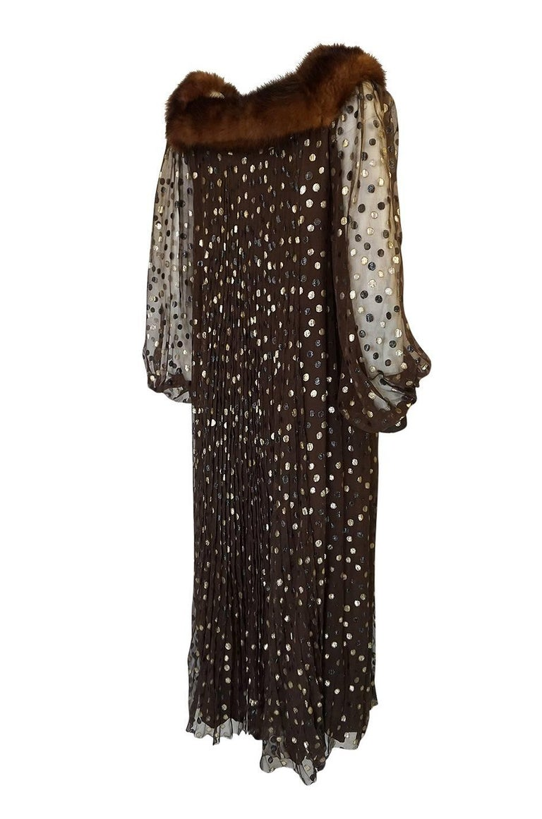 This Givenchy Haute Couture dress is as chic and wearable now as it was when first made. It is entirely finished by hand and would have been made under the direct supervision of Hubert de Givenchy himself. Haute Couture is the very pinnacle of the