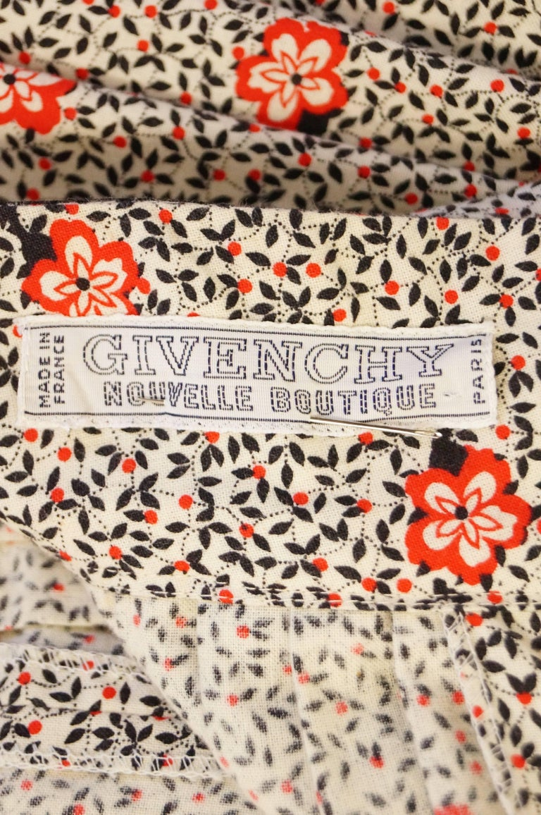 1970s Givenchy Red and Black Floral Midi Skirt and Shawl For Sale 9