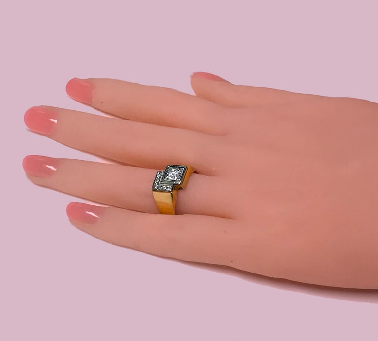 1970s Gold Diamond Ring In Good Condition For Sale In Toronto, ON