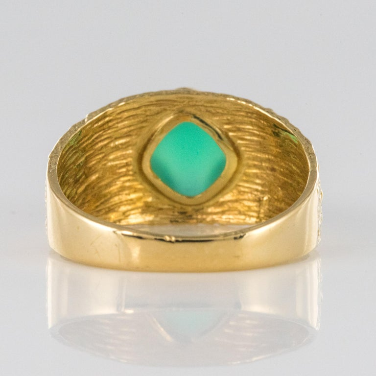 1970s Green Agate 18 Karat Yellow Gold Bangle Ring For Sale 6