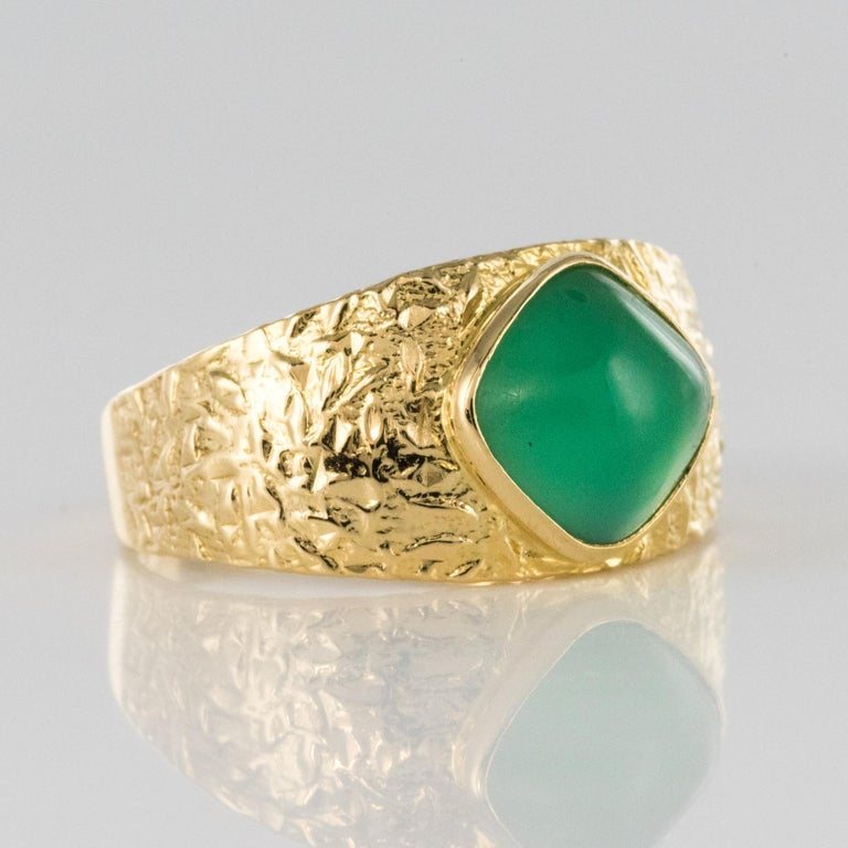 1970s Green Agate 18 Karat Yellow Gold Bangle Ring For Sale 7