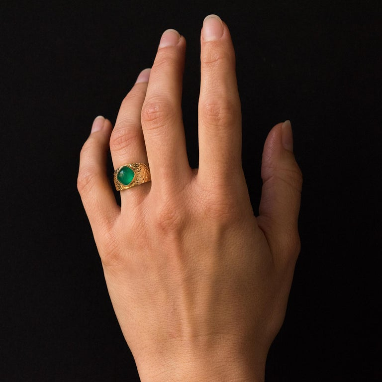 1970s Green Agate 18 Karat Yellow Gold Bangle Ring For Sale 8