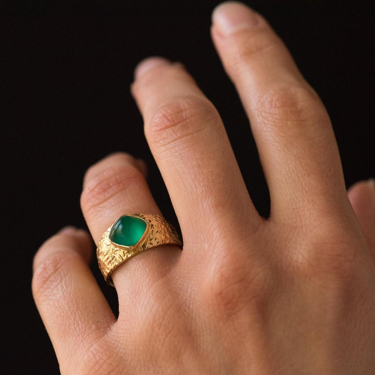 1970s Green Agate 18 Karat Yellow Gold Bangle Ring For Sale 11