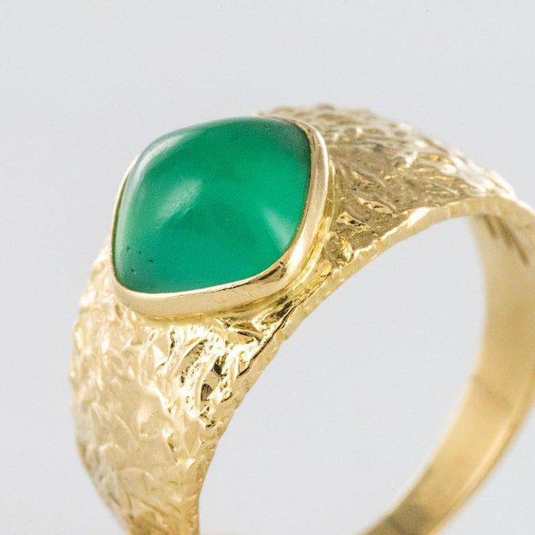 Women's or Men's 1970s Green Agate 18 Karat Yellow Gold Bangle Ring For Sale