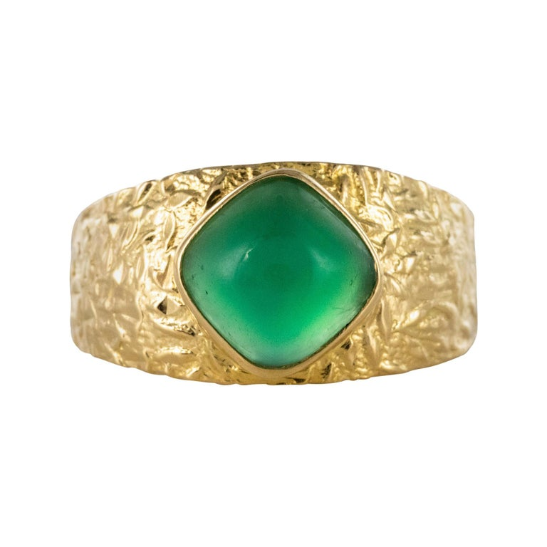 1970s Green Agate 18 Karat Yellow Gold Bangle Ring For Sale
