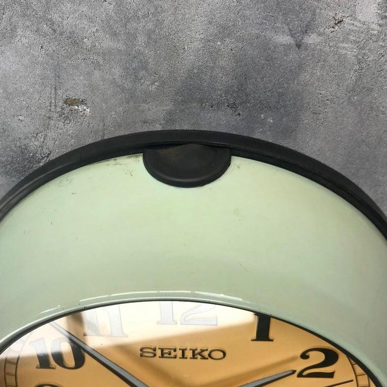 1970s Green Retro Seiko Vintage Industrial Antique Steel Quartz Wall Clock For Sale 4