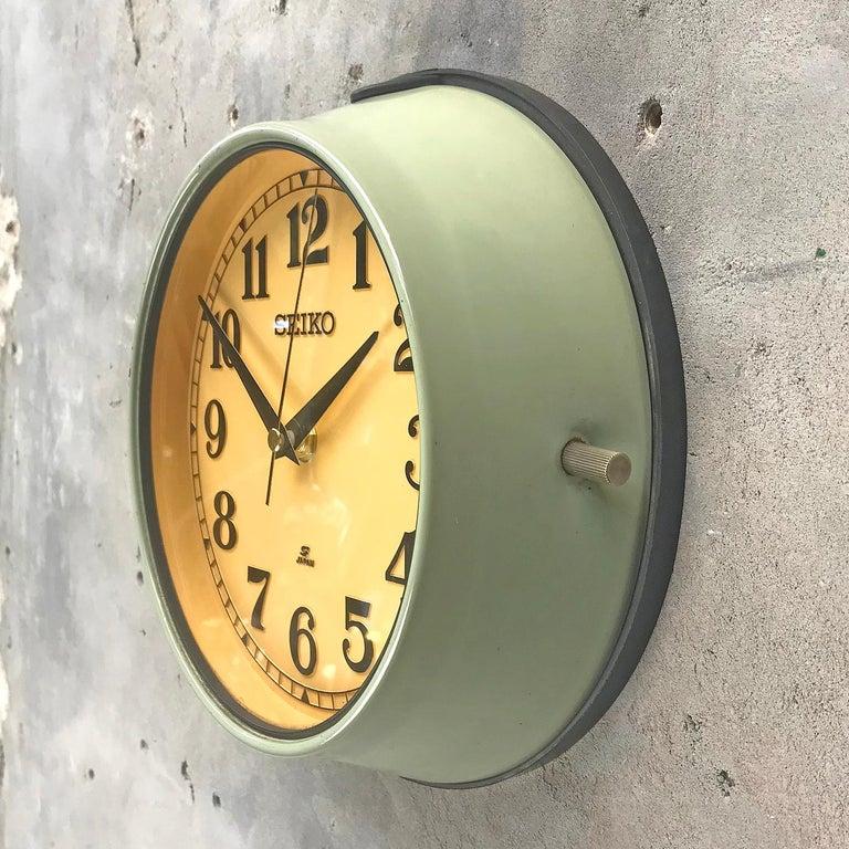 1970s Green Retro Seiko Vintage Industrial Antique Steel Quartz Wall Clock For Sale 6
