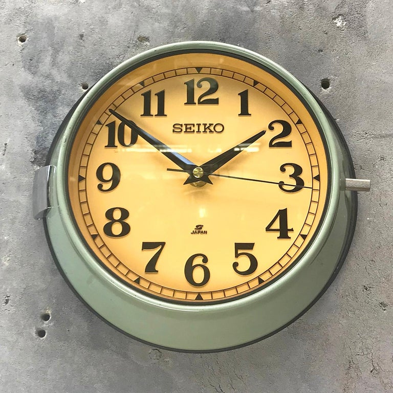Seiko supertanker slave clock original aqua marine green finish  A reclaimed and restored maritime slave clock.  These clocks were used in great numbers on super tankers, cargo ships and military vessels built during the 1970s and housed a movement