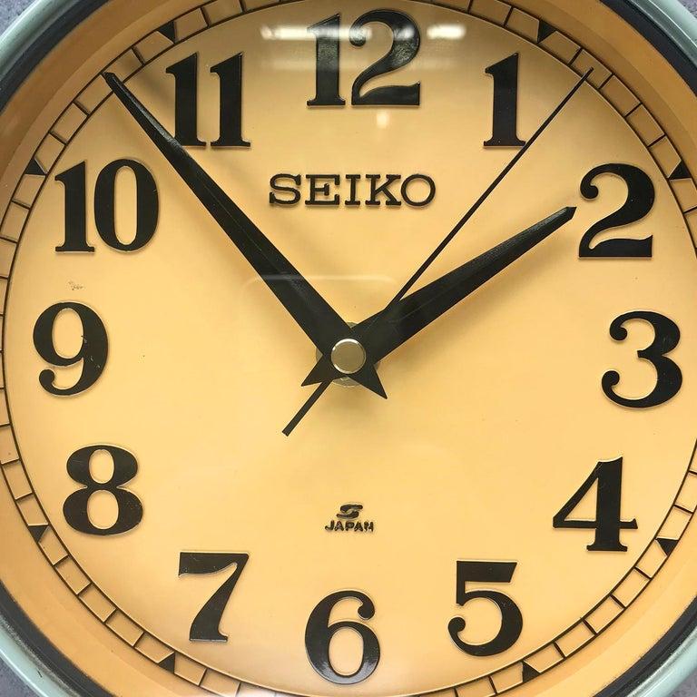 1970s Green Retro Seiko Vintage Industrial Antique Steel Quartz Wall Clock For Sale 1