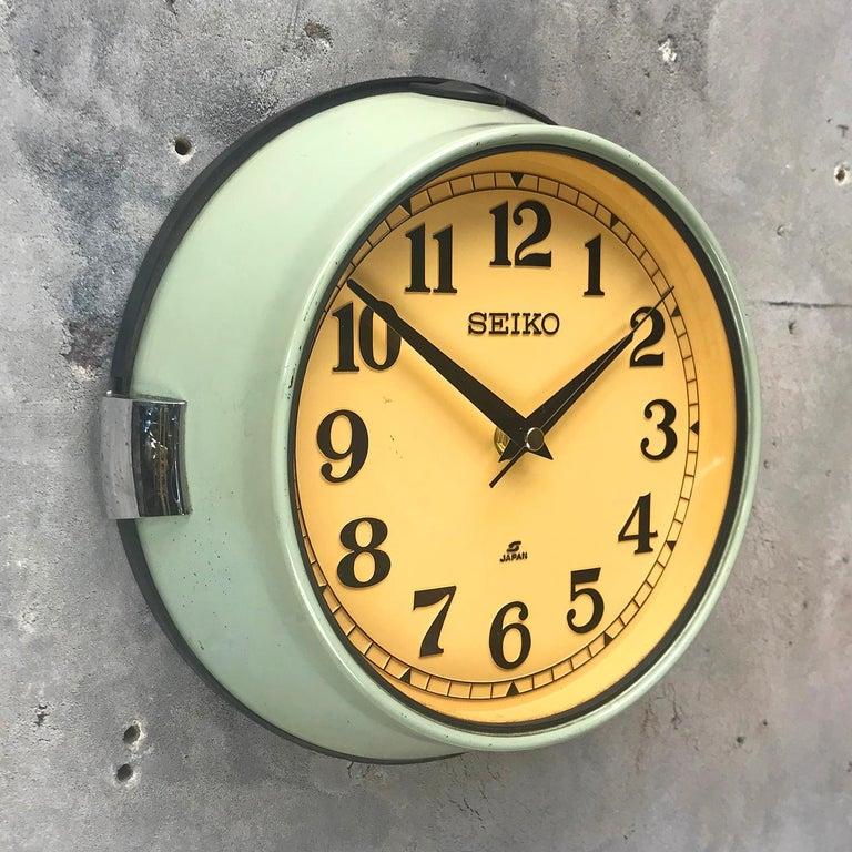 1970s Green Retro Seiko Vintage Industrial Antique Steel Quartz Wall Clock For Sale 3