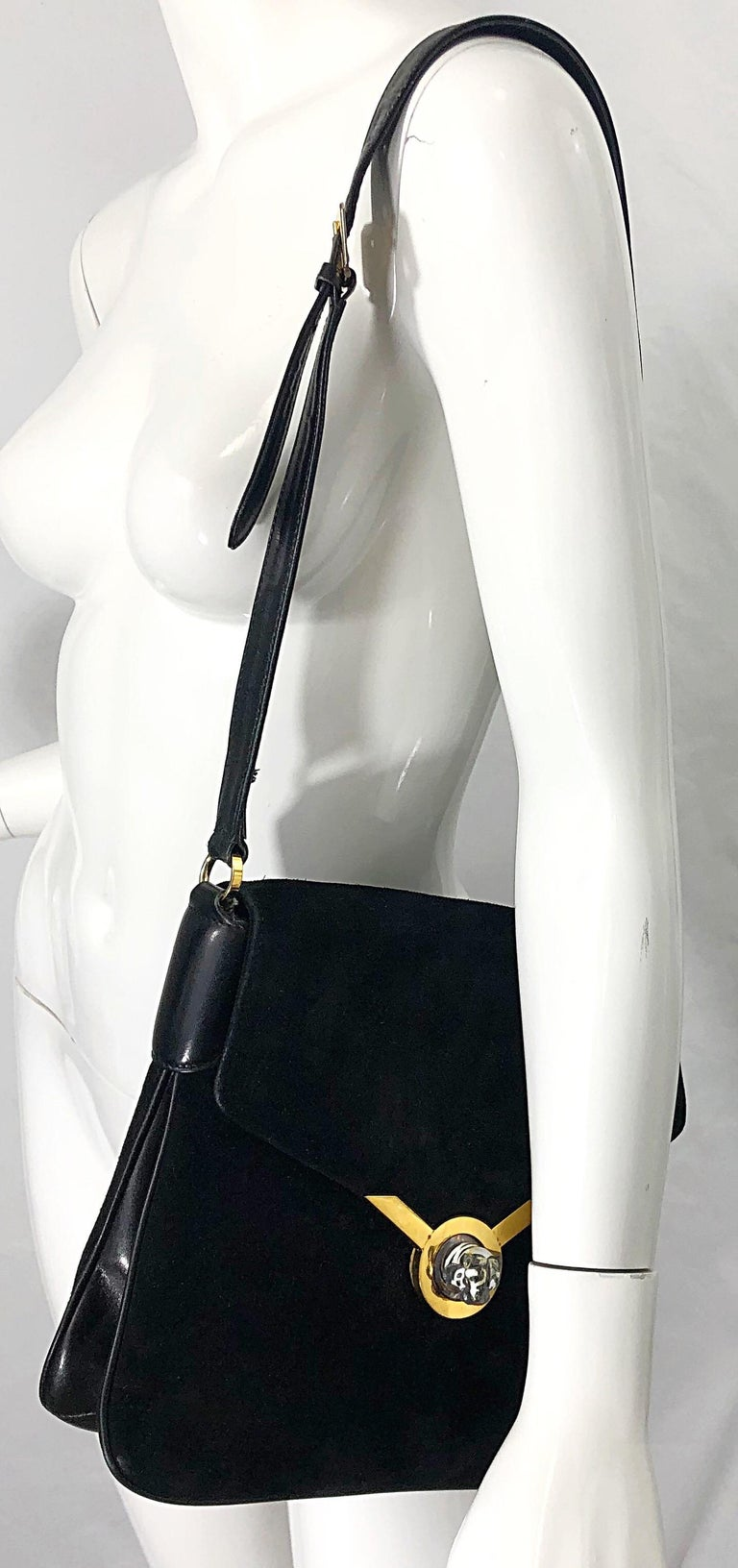 1970s Gucci Black Suede Tiger Clasp Large Vintage 70s Handbag Purse Shoudler Bag For Sale 1