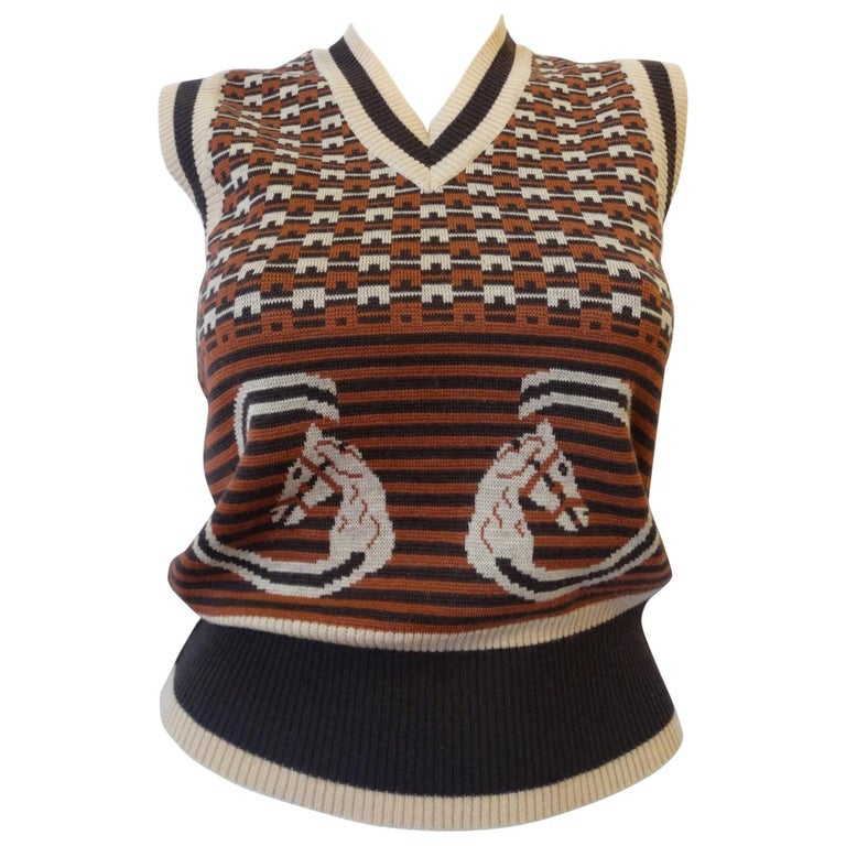 3d898ba9251 1970s Gucci Equestrian Logo Wool Sweater Vest For Sale at 1stdibs