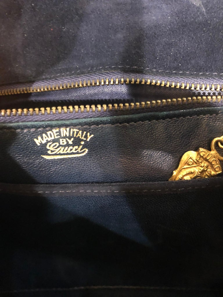 1970s Gucci Large Navy Blue Suede Vintage 70s Hobo Shoulder Bag Purse Handbag In Good Condition In Chicago, IL