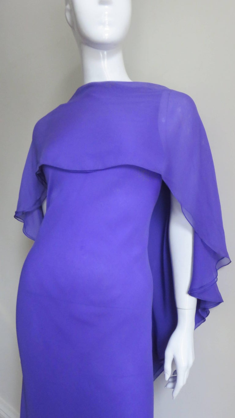 1970s Halston Plunge Back Cape Dress In Good Condition For Sale In New York, NY