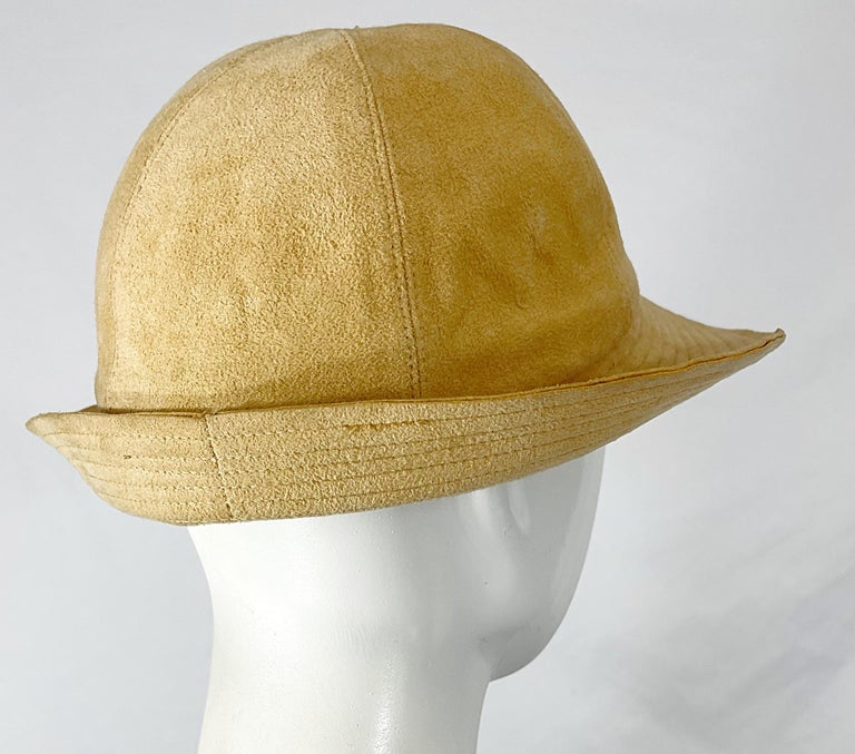 1970s Halston Ultra Suede Tan Brown Vintage 70s Fedora Hat In Excellent Condition For Sale In Chicago, IL