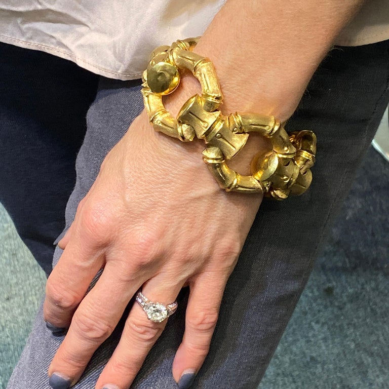 1970s Hammerman Brothers Bamboo Link 18 Karat Yellow Gold Wide Bracelet For Sale 2