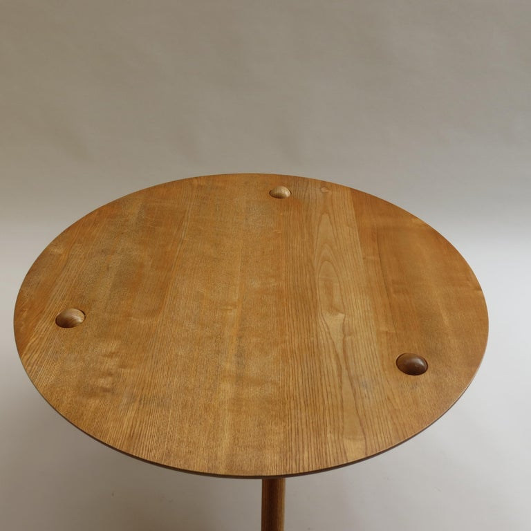1970s Hand Produced Tripod Coffee Table in Ash In Good Condition In Stow on the Wold, GB