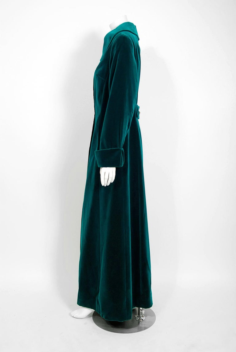Vintage 1970's Harella of England Teal Blue-Green Velvet Back Belted Maxi Coat In Good Condition For Sale In Beverly Hills, CA