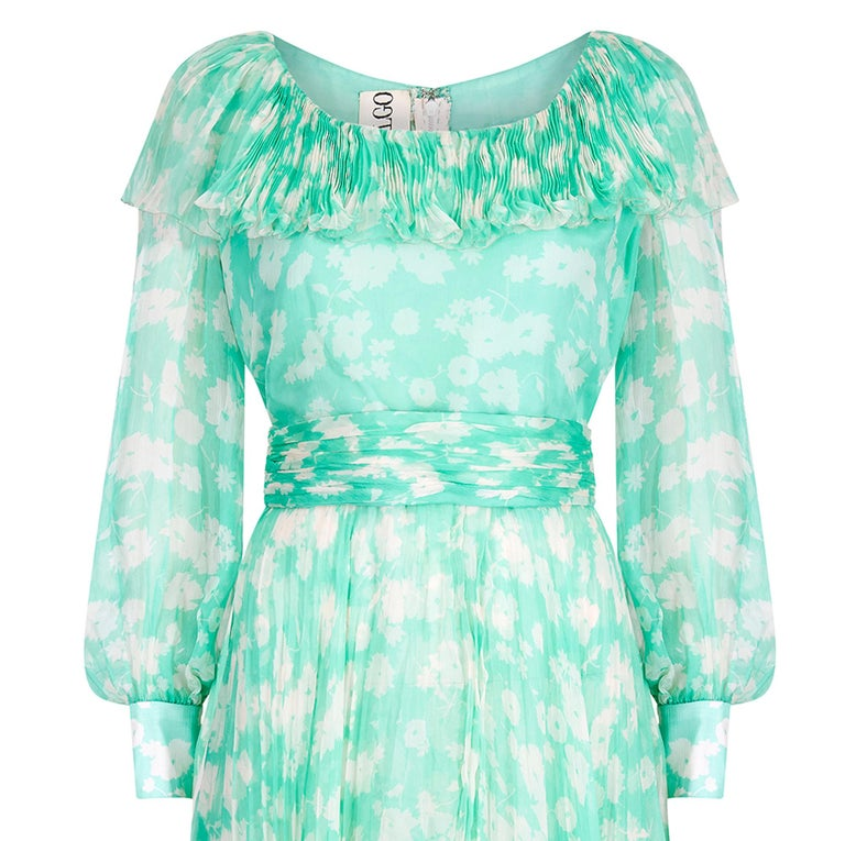 1970s Harry Algo Printed Green & White Silk Chiffon Dress With Ruffle Neckline  In Excellent Condition For Sale In London, GB