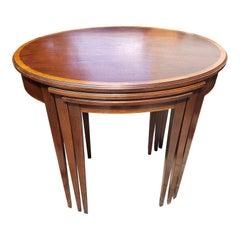 1970s Hekman Mid-Century Modern Oval Nesting Tables, Set of 3
