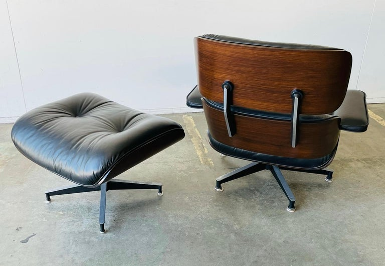 Late 20th Century 1970s Herman Miller Eames Lounge Chair and Ottoman For Sale