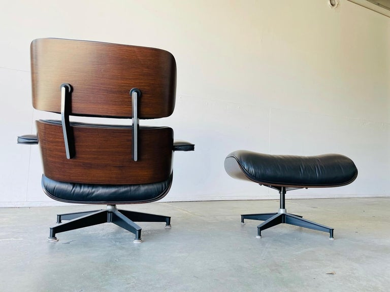 1970s Herman Miller Eames Lounge Chair and Ottoman For Sale 1