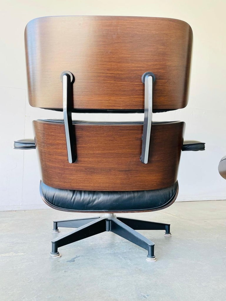 1970s Herman Miller Eames Lounge Chair and Ottoman For Sale 2