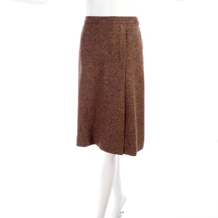 1970s Hermes Vintage Suit W/ Skirt & Blazer in Brown Wool Tweed W Leather Trim For Sale 6